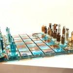 Exclusieve glaskunst - schaakbord 'Chess' - Eratini - LxB 42x42 cm € 1079,- (leverbaar rond Pasen)