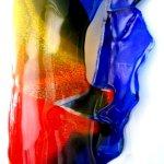 Uniek 3D glas met grote dieptewerking, in primair kleurgebruik met harmonieuze glasversmeltingen ...