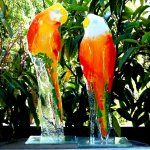 Unieke glaskunstwerken - 2-delige set vogels 'Lovebirds' papegaaien in modern glas - H 28 cm € 149,95
