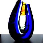 Glasobject - vaas, sculptuur geslepen, met bollend reservoir in het middengedeelte - Ozzaro - HxBxD 22x17x8 cm € 459,-