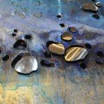 Dit modern abstract kunstobject voor de wand is uniek en handbeschilderd met rvs plaatjes boven de openingen ...