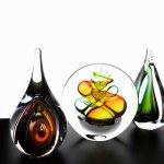 Abstracte glasobjecten - druppels - Ozzaro glaskunst - H 10-14-16 cm per st. € 29,95 per 2 st. € 10,- voordeel