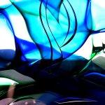 Prachtige, door elkaar vloeiende kleuren ... kleurrijke glasobjecten en druppels in Boheems kristalglas