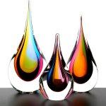 Boheemse glaskunst - druppels in 'regenboog'kleuren - Ozzaro - H 25 cm € 99,- / 22 cm € 69,- / 16 cm € 49,-
