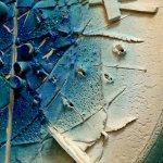 Kunst zinnig wandobject in uniek abstract keramiek design met diverse kleurnuances in matte optiek ...
